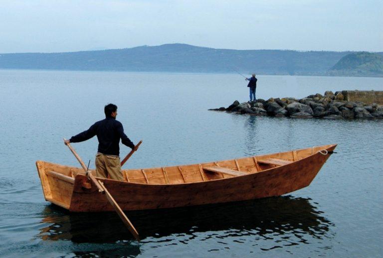 Barca_tradizionale_del_lago_di_Bolsena