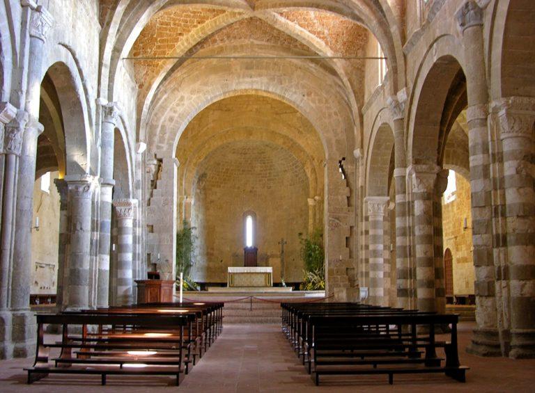 Duomo_di_Sovana_-_interno